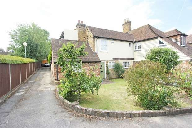 3 Bedrooms Semi Detached House for sale in Chalkwell Road, SITTINGBOURNE, Kent