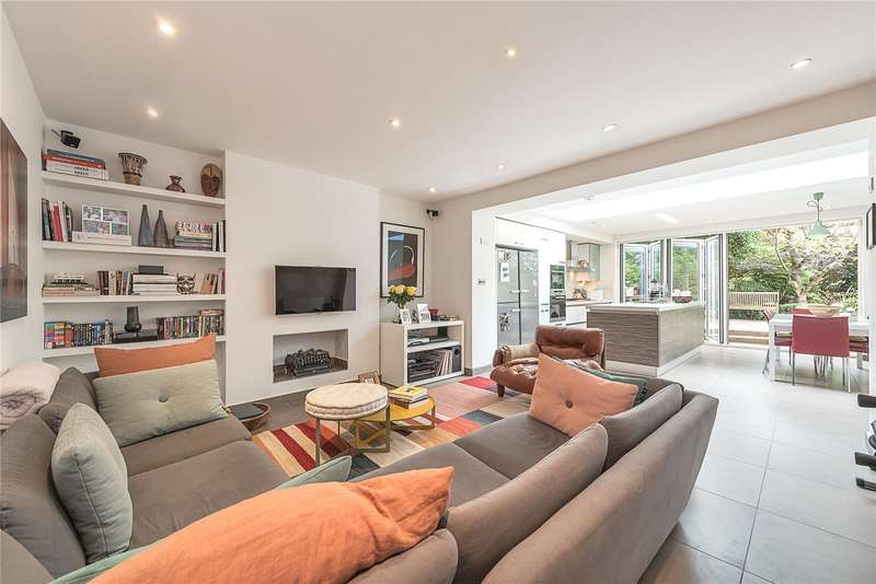 3 Bedrooms Flat for sale in Thurlow Road, Hampstead, London, NW3