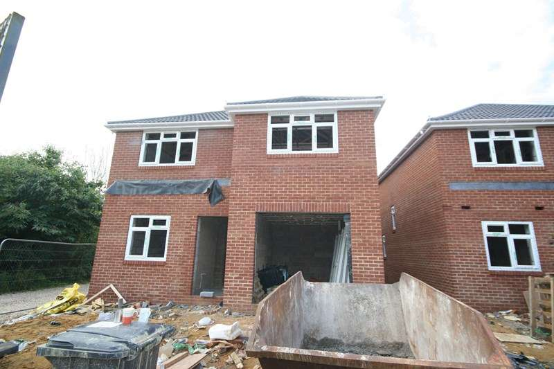 4 Bedrooms Detached House for sale in Eldons Drove, Poole