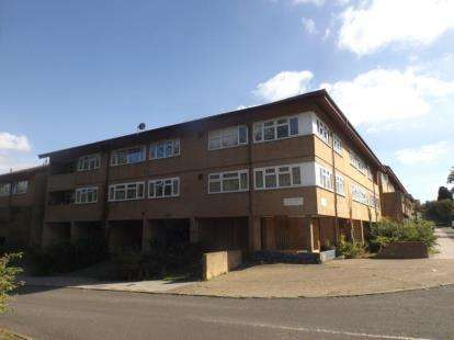 1 Bedroom Flat for sale in Conniburrow Boulevard, Conniburrow, Milton Keynes, Buckinghamshire