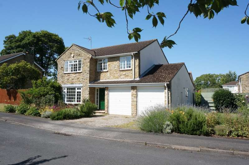 4 Bedrooms Detached House for sale in 1 Woodlea, Boston Spa, LS23 6SB