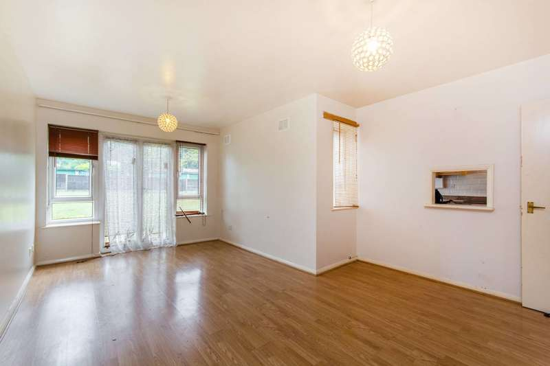 2 Bedrooms Maisonette Flat for sale in Brunswick Road, Sutton, SM1