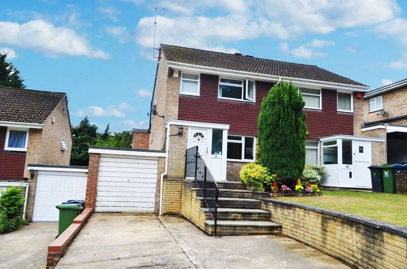 3 Bedrooms Semi Detached House for sale in Clearbrook Close, Loudwater, HP13