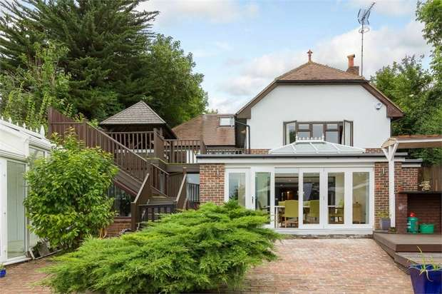 5 Bedrooms Detached House for sale in Church Road, Hartley, Longfield, Kent