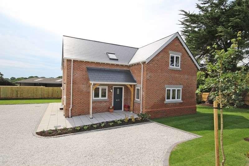 3 Bedrooms Detached House for sale in Lavender Road, Hordle, Lymington