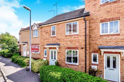 3 Bedrooms Semi Detached House for sale in Sandpiper Way, Leighton Buzzard, Bedford, Bedfordshre