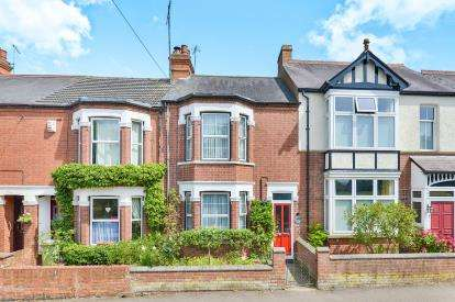 3 Bedrooms Terraced House for sale in Woburn Avenue, Wolverton, Milton Keynes, Buckinghamshire