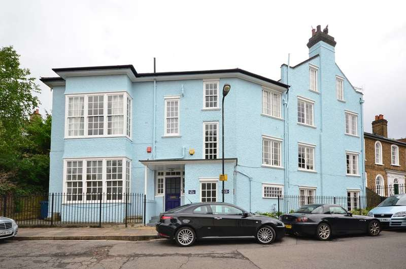 3 Bedrooms Flat for sale in West Hill, Harrow on the Hill, HA2