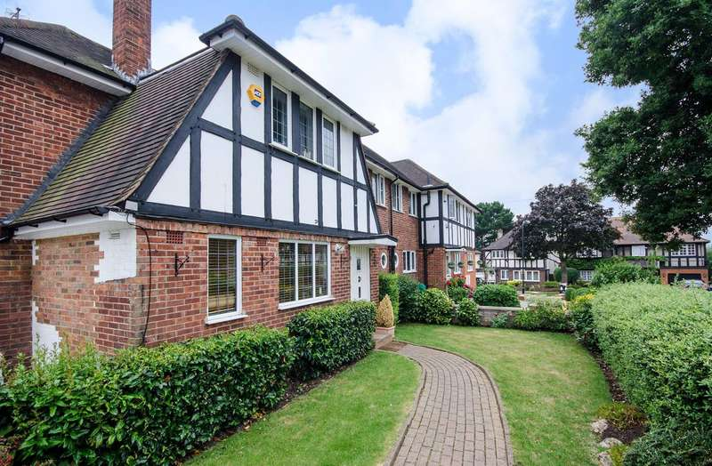 4 Bedrooms Semi Detached House for sale in Midholm, Wembley, HA9