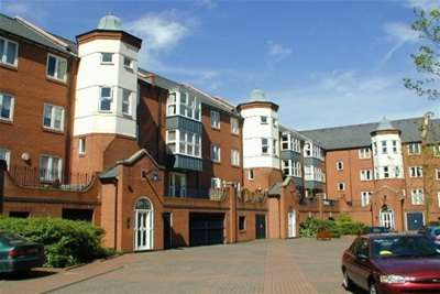 3 Bedrooms Flat for rent in Symphony Court, Sheepcote Street