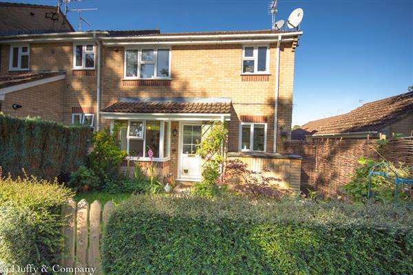 2 Bedrooms Apartment Flat for sale in Larch Way, Haywards Heath