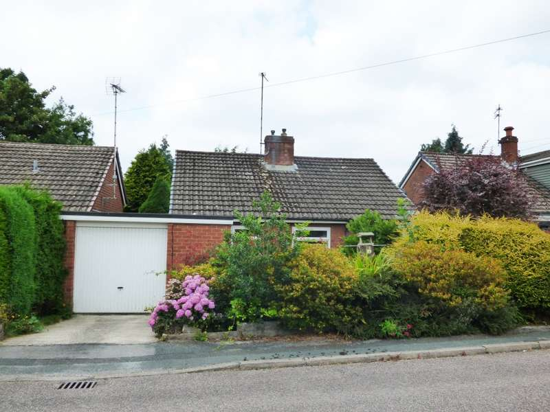 2 Bedrooms Detached Bungalow for sale in Tarnside Close, Offerton, Stockport