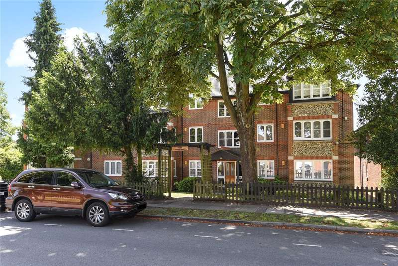 2 Bedrooms Apartment Flat for sale in Carew Road, Northwood, Middlesex, HA6