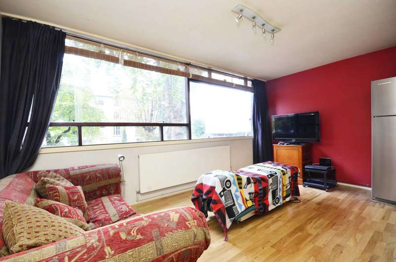 1 Bedroom Flat for sale in Haverstock Hill, Belsize Park, NW3