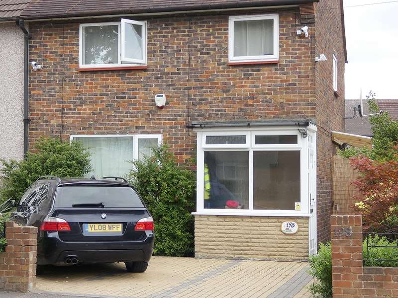 2 Bedrooms Semi Detached House for sale in Chippenham Road, Romford, Essex, RM3