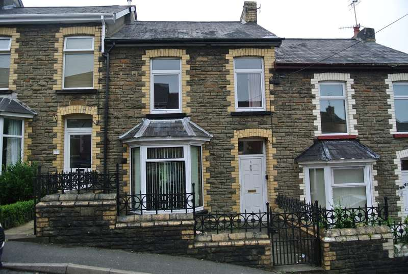 3 Bedrooms Terraced House for sale in Mountain View, Pontnewynydd, Pontypool, NP4