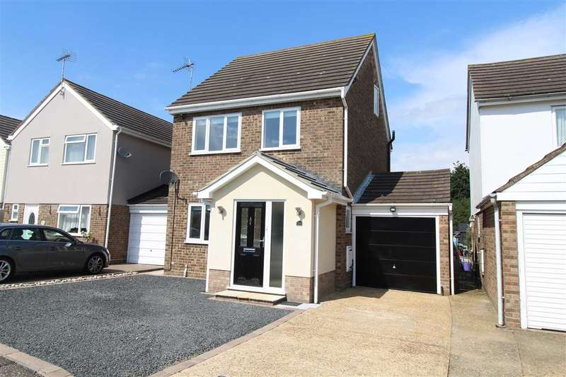 4 Bedrooms Detached House for sale in Clover Drive, Thorrington, Colchester