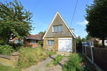 2 Bedrooms Detached House for sale in Rochford, Essex