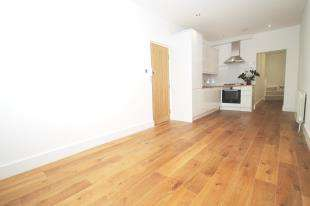 2 Bedrooms House for sale in Collingwood Road, Sutton