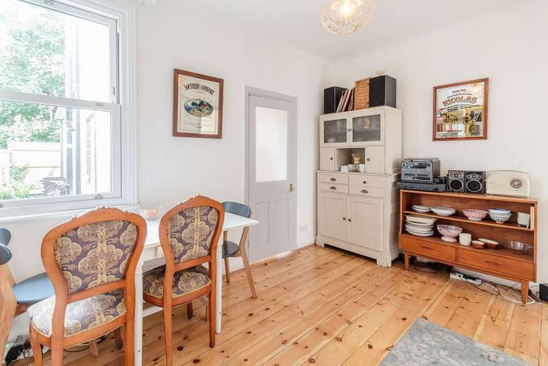3 Bedrooms Terraced House for sale in Clifton Road, London, E7