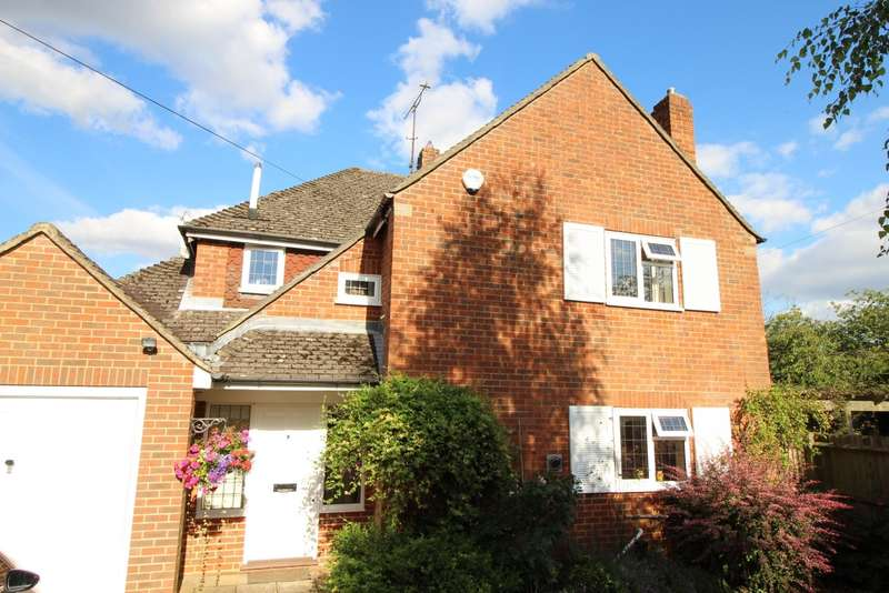 3 Bedrooms Detached House for sale in Nottwood Lane, Stoke Row, RG9