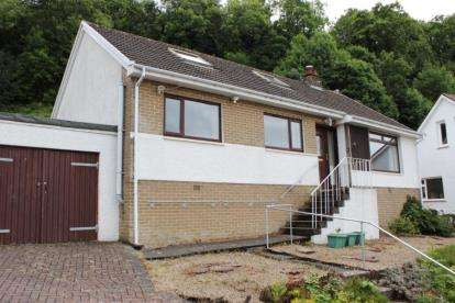 3 Bedrooms Bungalow for sale in Scott Crescent, Largs