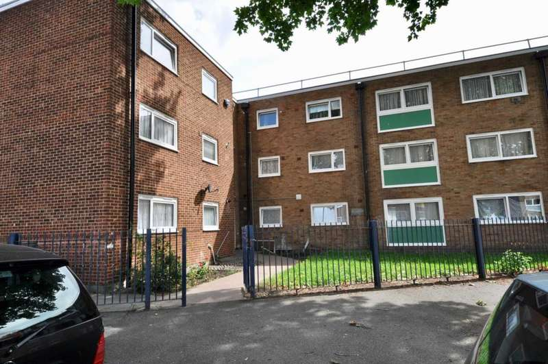 Apartment Flat for sale in Harts Lane, Barking