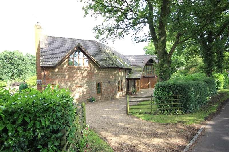 5 Bedrooms Detached House for sale in Alton Lane, Four Marks, Alton, Hampshire, GU34