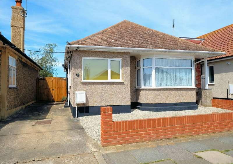 2 Bedrooms Detached Bungalow for sale in Kemp Road, Tankerton, WHITSTABLE, Kent