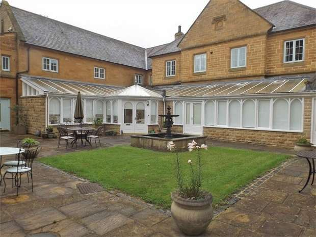 2 Bedrooms Flat for sale in Wilton Castle, Wilton, Redcar, North Yorkshire