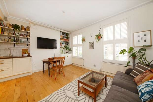 3 Bedrooms Flat for sale in Kemerton Road, Camberwell
