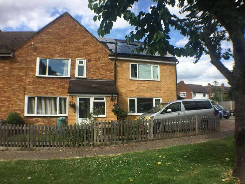 5 Bedrooms Semi Detached House for sale in Almond Close, Bromley, BR2