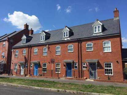 3 Bedrooms Terraced House for sale in Friday Street, Haydon End, Swindon, Wiltshire