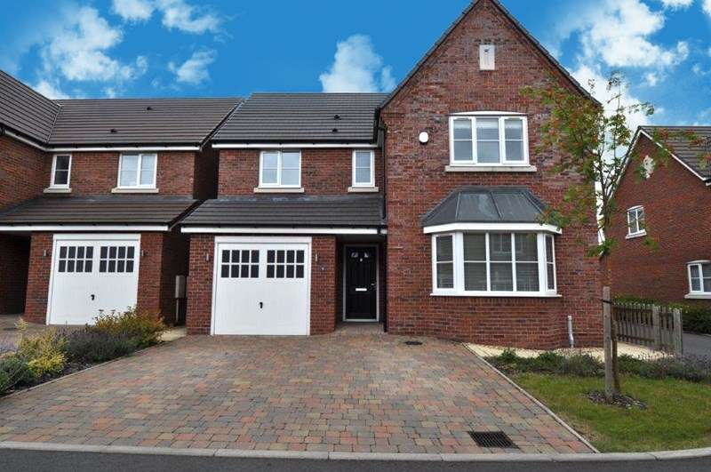 4 Bedrooms Detached House for sale in Gateacre Drive, Astwood Bank, Redditch