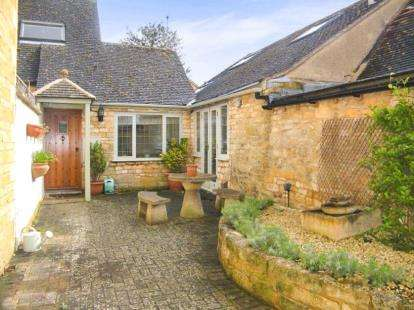 House for sale in Leamington Road, Broadway, Worcestershire