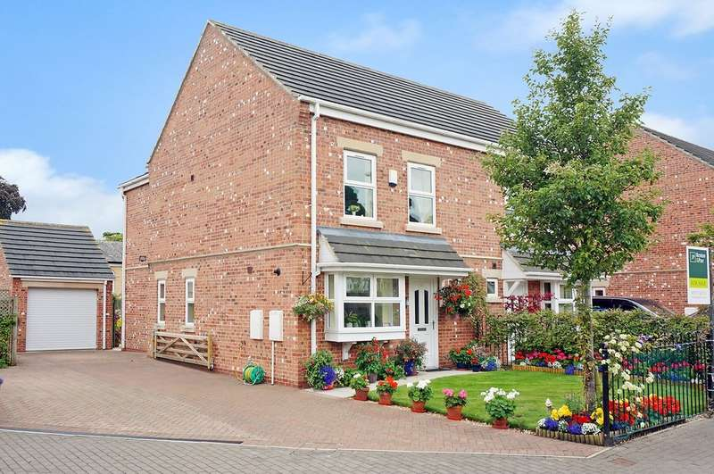 3 Bedrooms Semi Detached House for sale in Walton Gardens, Thorp Arch, LS23