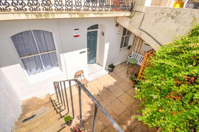 2 Bedrooms Flat for sale in Marina, St Leonards On Sea, TN38