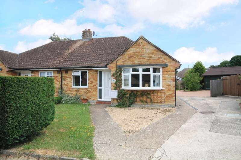 2 Bedrooms Bungalow for sale in Woodlands Way, Billingshurst, RH14