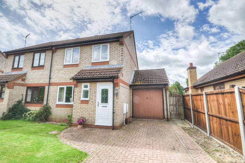 3 Bedrooms Semi Detached House for sale in The Paddocks, Halesworth