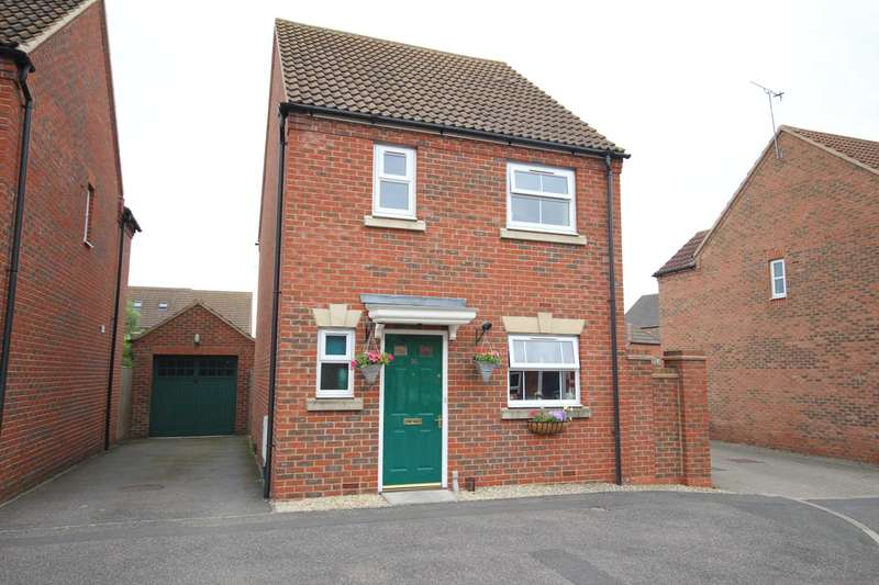 3 Bedrooms Detached House for sale in Arncott Way, Fairford Leys