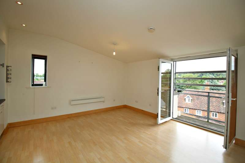 2 Bedrooms Flat for sale in Ickleford Road, Hitchin, SG5