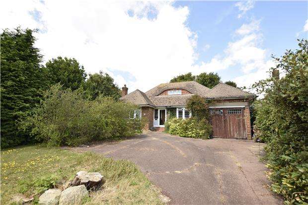 3 Bedrooms Detached Bungalow for sale in Terminus Avenue, Bexhill-On-Sea, East Sussex, TN39 3LZ