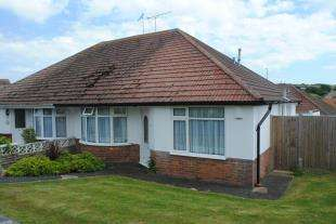 2 Bedrooms Bungalow for sale in Brambletyne Avenue, Saltdean, Brighton, East Sussex