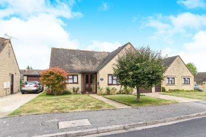 2 Bedrooms Bungalow for sale in Willow Road, Willersey, Broadway, Worcestershire
