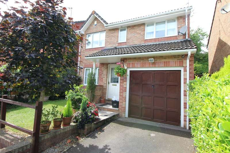 4 Bedrooms Detached House for sale in The Moorings, Pontymoile, Pontypool, NP4