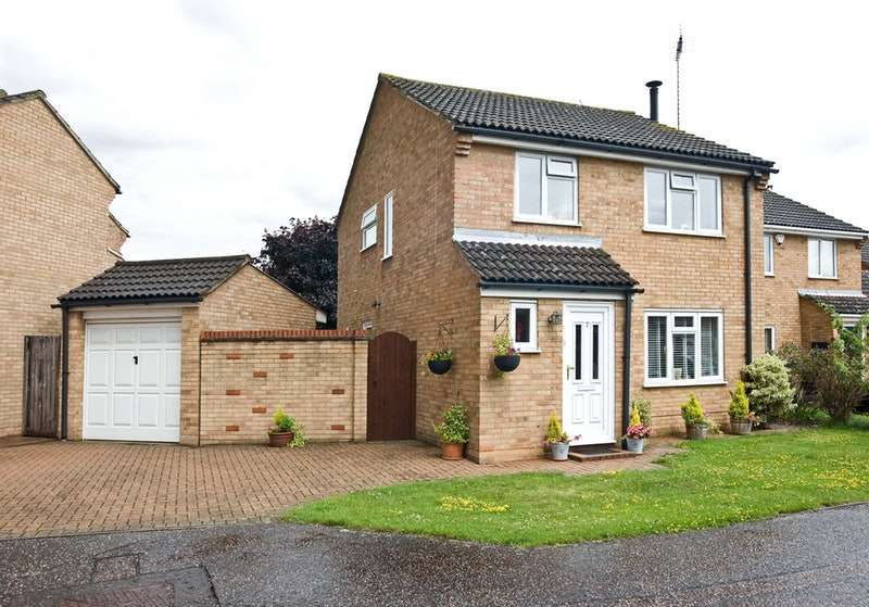 3 Bedrooms Detached House for sale in Dombey Close, Chelmsford, Essex, CM1