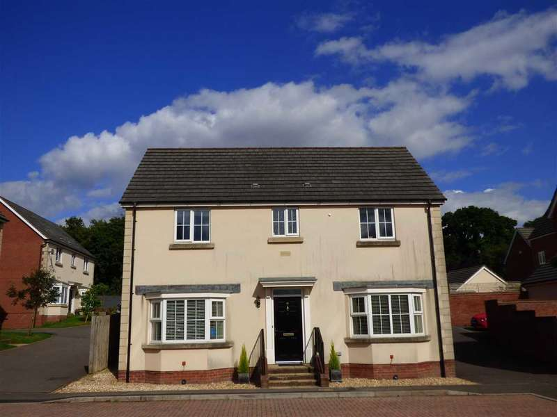 4 Bedrooms Detached House for sale in Bayfield Wood Close, Chepstow
