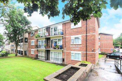 2 Bedrooms Flat for sale in Denleigh Court, Chase Road, Southgate, London