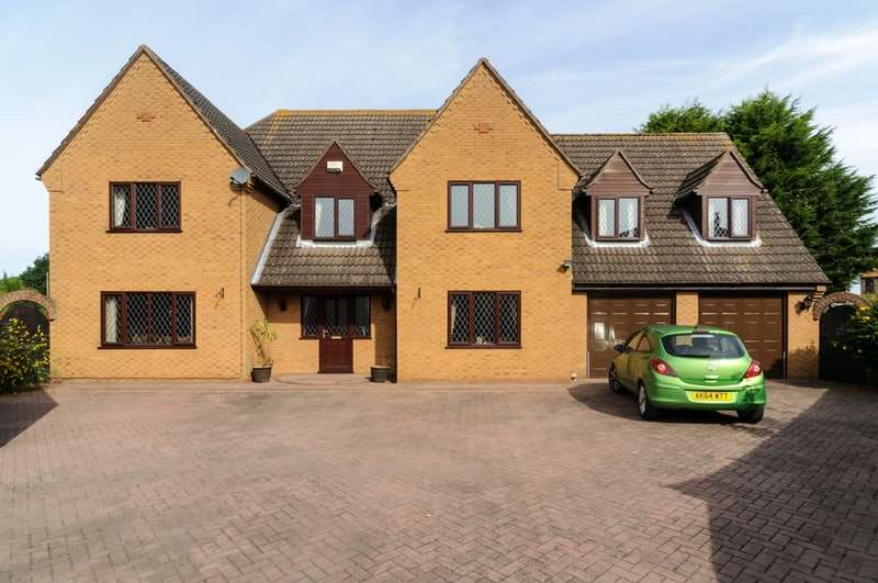 5 Bedrooms Detached House for sale in Stow Gardens, Wisbech, Cambridgeshire, PE13
