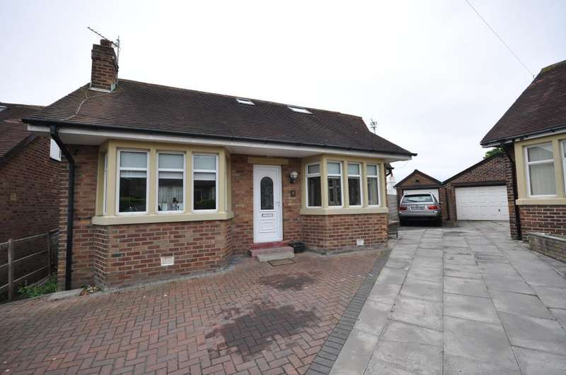 3 Bedrooms Detached House for sale in Hillside Close, Blackpool, Lancashire, FY3 8EX